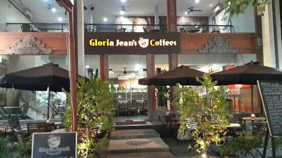 Gloria Jeans Coffees Pantai
