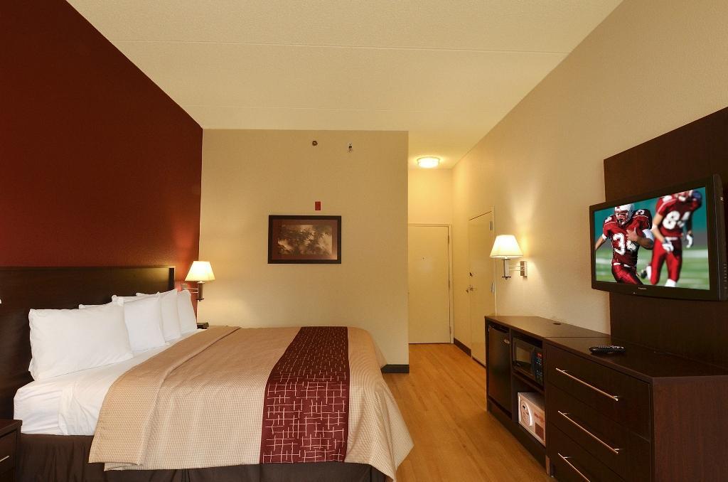 Red Roof PLUS+ Austin   South $67 ($̶8̶1̶)   UPDATED 2017 Prices U0026 Hotel  Reviews   TX   TripAdvisor