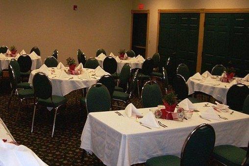Country Inn & Suites By Carlson, Salina, KS