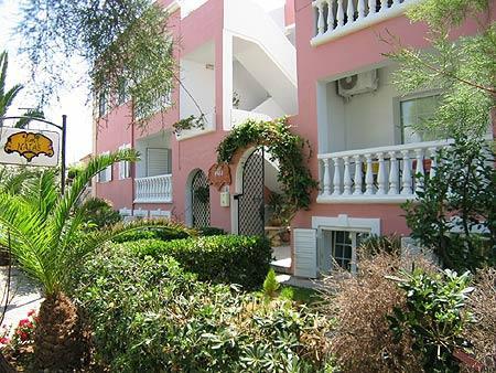 Villa Naias