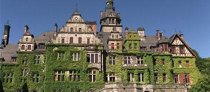 Orangerie und Schloss Ramholz