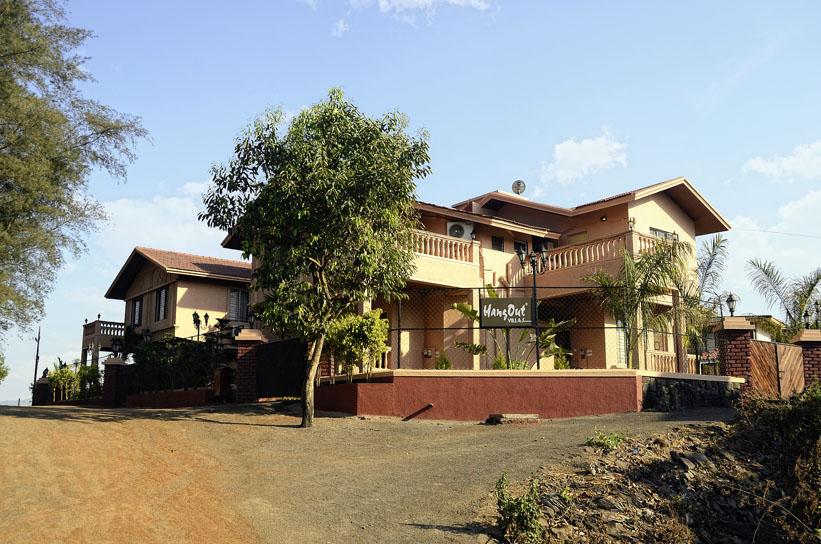 HangOut Villas