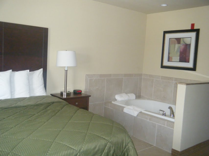 Cobblestone Inn and Suites Bloomfield