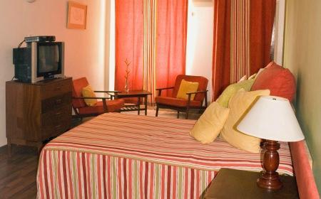 Mandeville Hotel