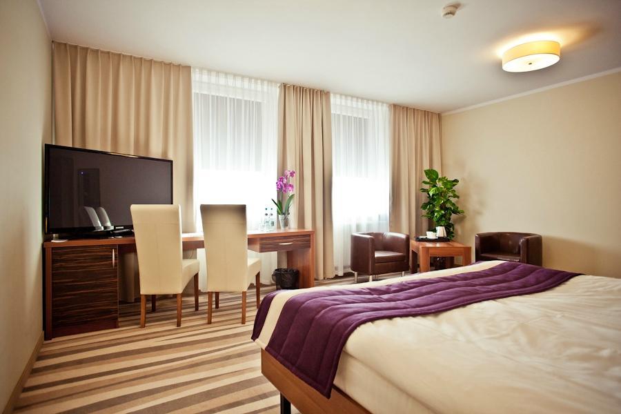 Best Western Hotel - Lotnisko Modlin