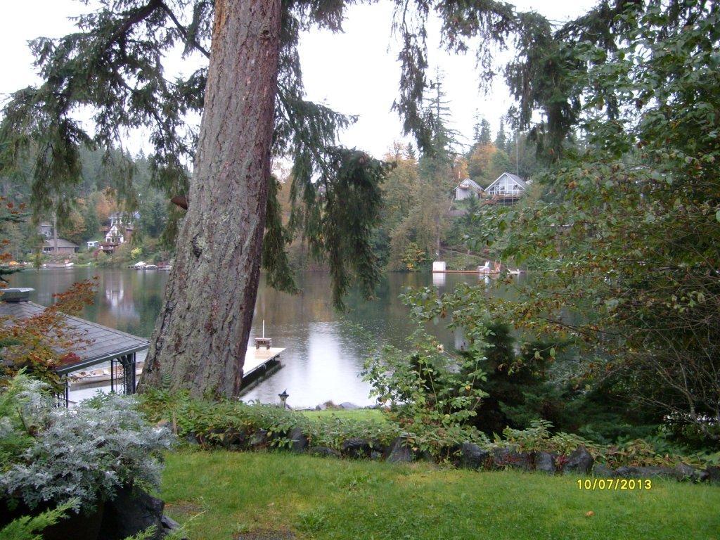 Linda's by the Lake