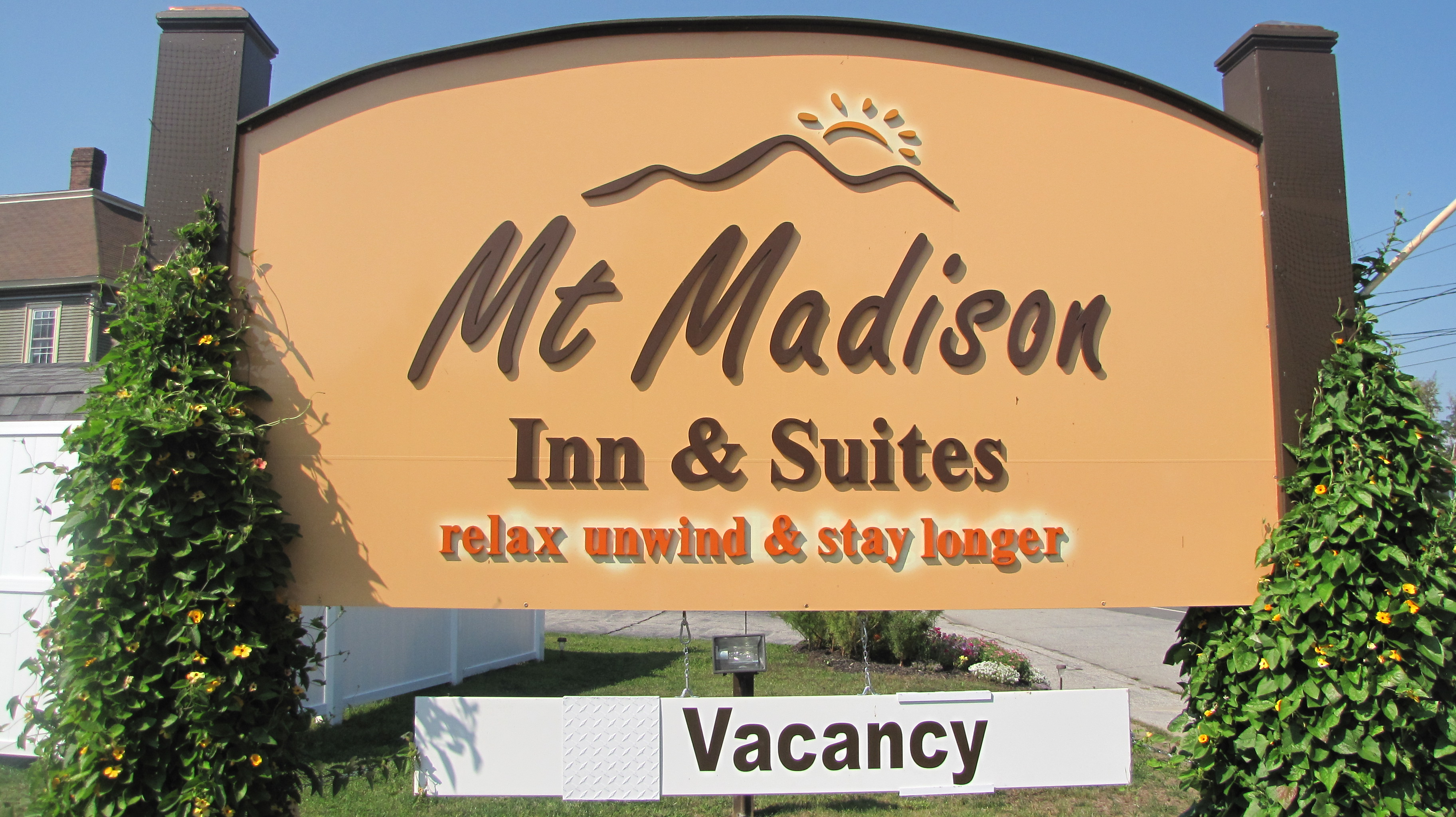 Mt Madison Inn & Suites