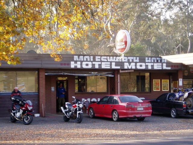 Molesworth Hotel Motel