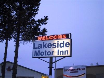 Lakeside Motor Inn