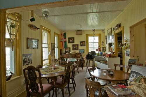 Cafe chez Sam