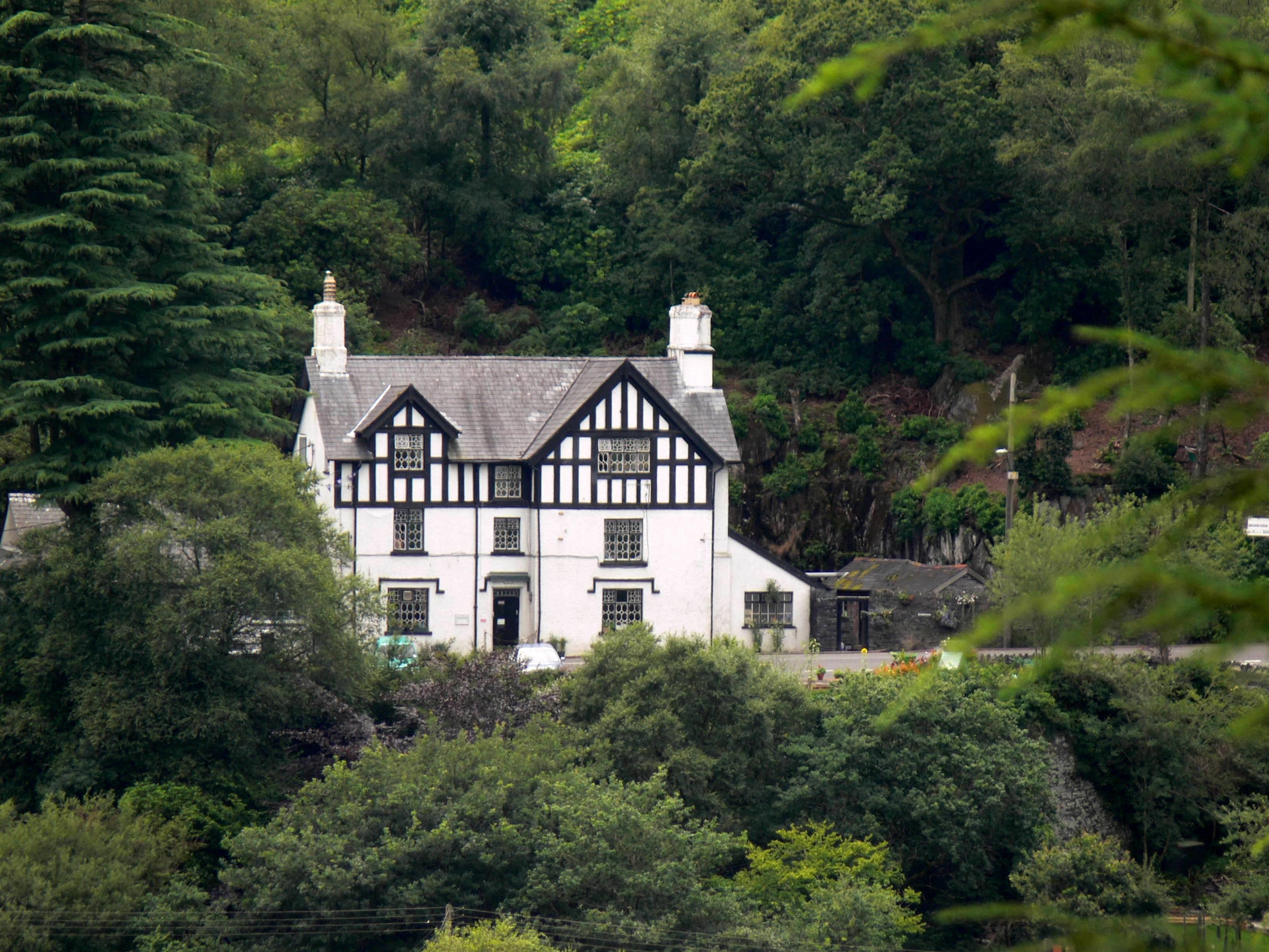 Braich Goch Bunkhouse and Inn
