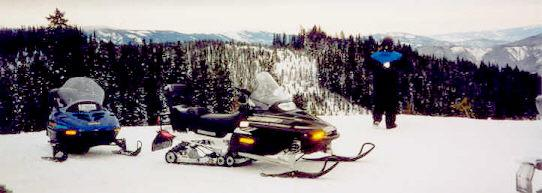 Leavenworth Snowmobile Tours at Mountain Springs Lodge