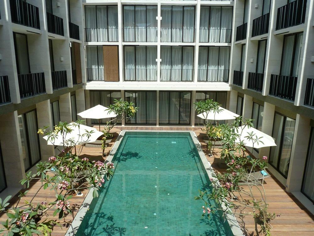 Hotel terrace at kuta updated 2017 prices reviews for Hotel the terrace