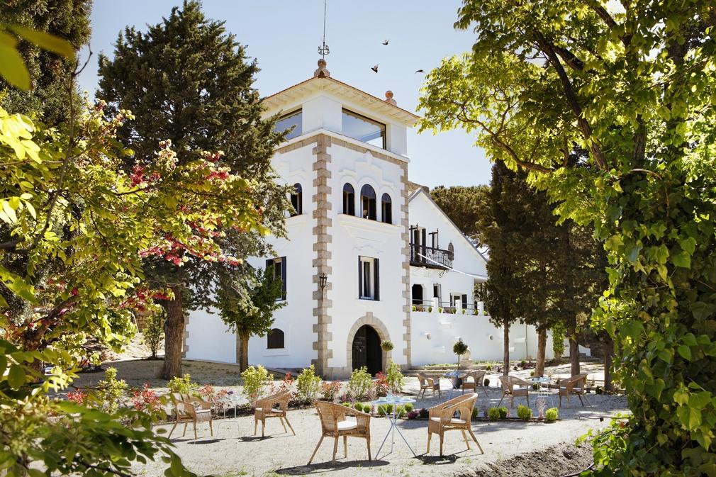Collado Mediano Spain  city images : La Torre Box Art Hotel Collado Mediano, Spain UPDATED 2016 Inn ...