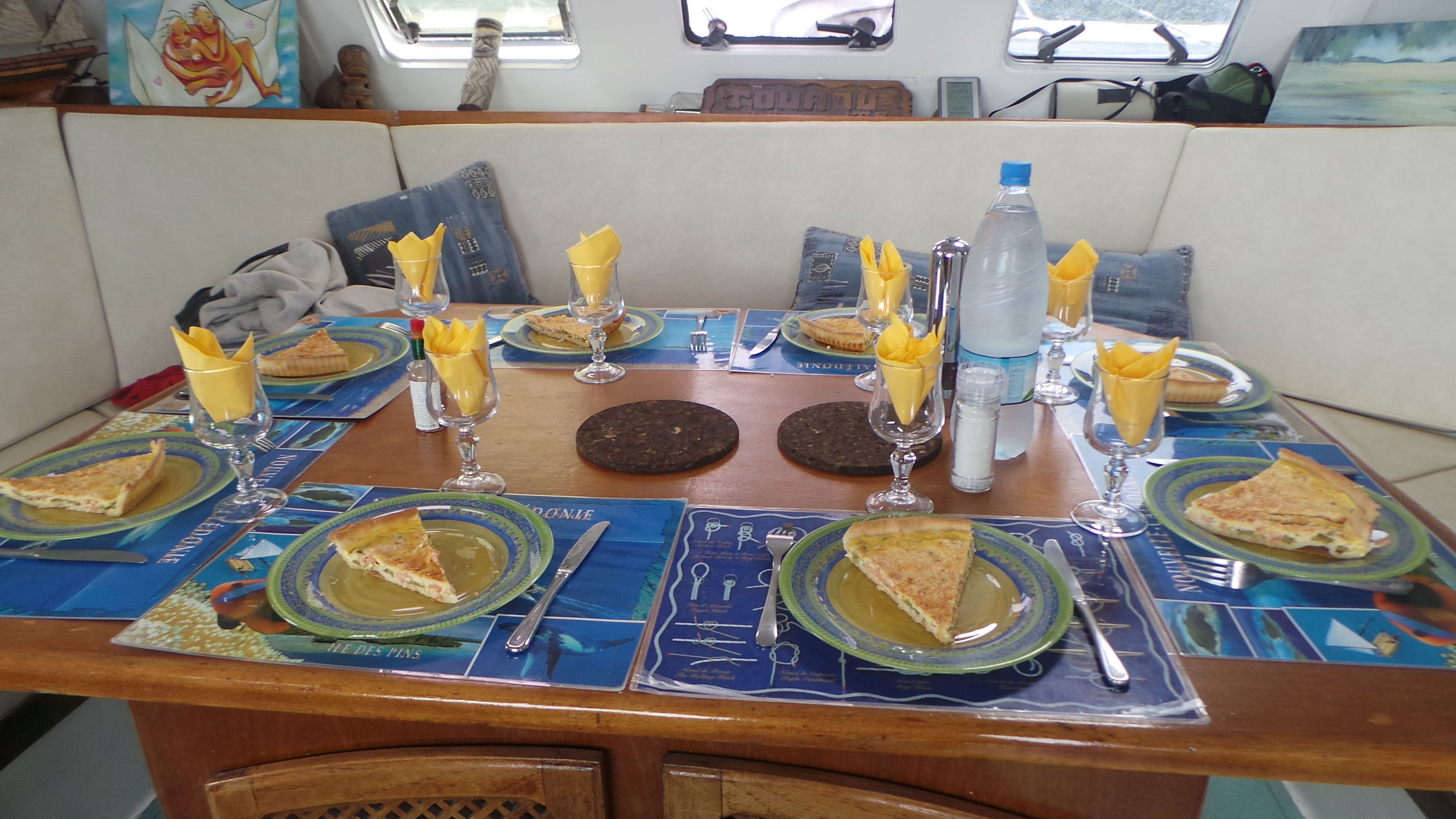 Abaca croisieres noumea new caledonia top tips before you go tripadvisor - Monter une table d hote ...