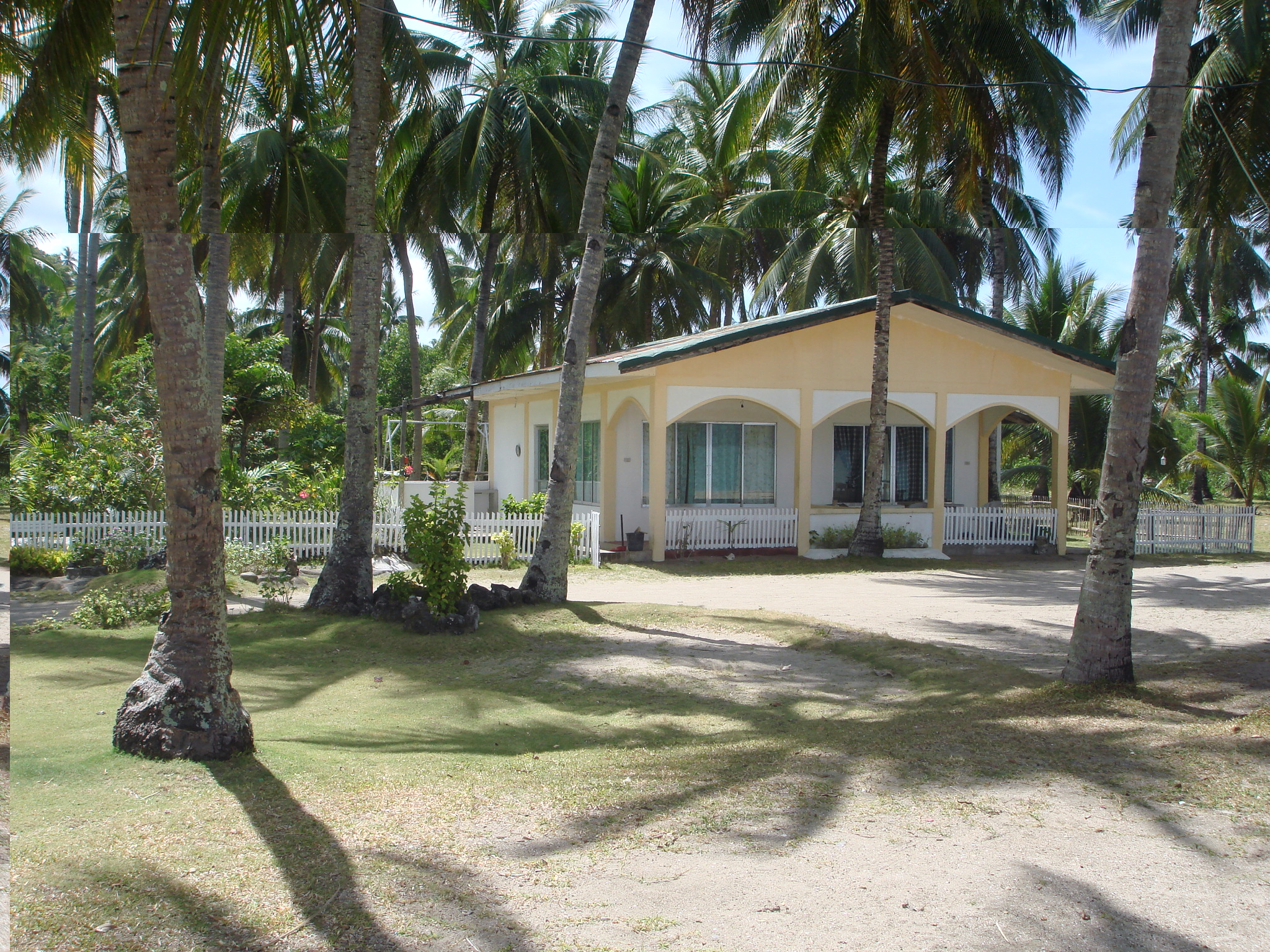 Lotus Beach Lodging House