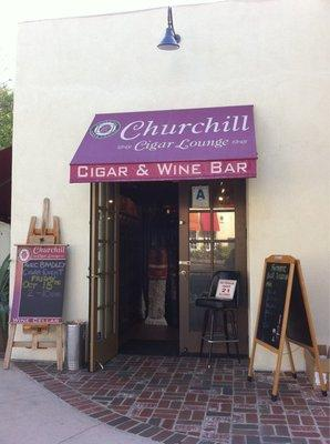 ‪Churchill Cigar Lounge‬