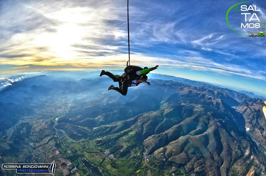 Resultado de imagen de skydive bcn
