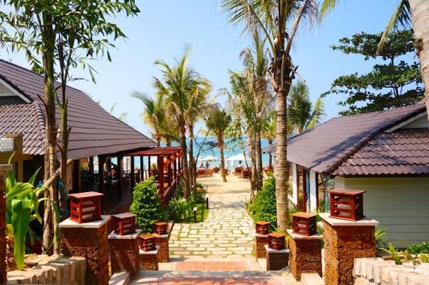 Coral Bay Resort
