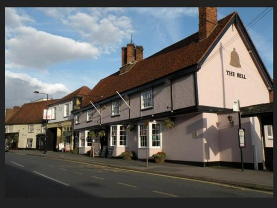‪The Bell Ingatestone‬