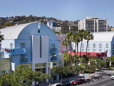 西好萊塢華美達酒店
