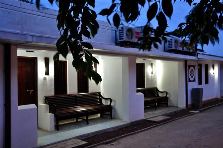 Nawathana Hotel