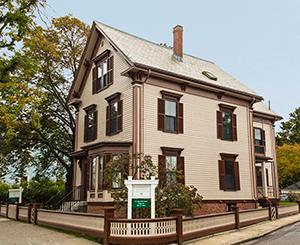‪Mary Baker Eddy Historic House‬