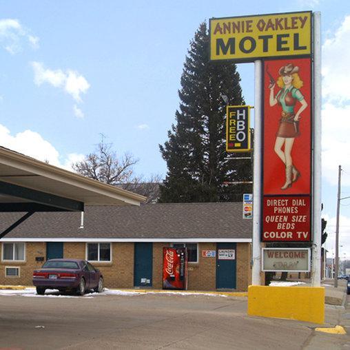 Hotels In Oakley Kansas