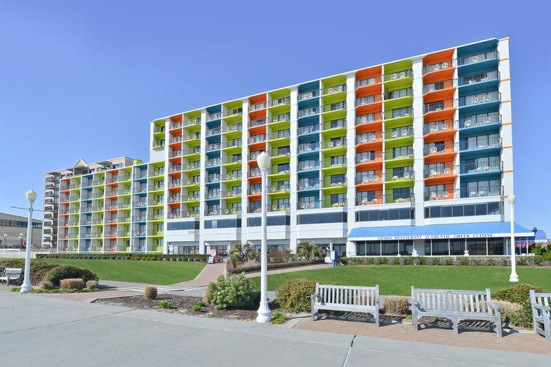 BEST WESTERN PLUS Sandcastle Beachfront Hotel