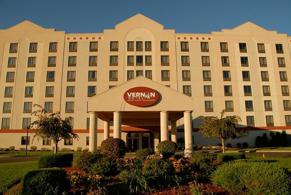 Vernon Downs Hotel