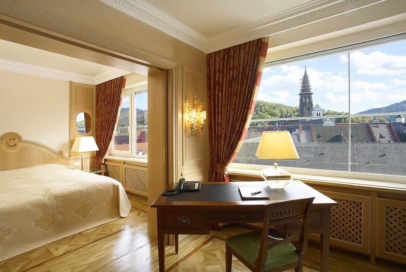 庫洛姆賓酒店