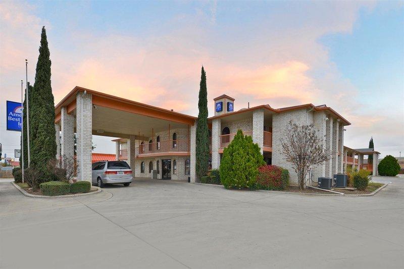 Americas Best Value Inn - San Antonio Downtown I-10 East
