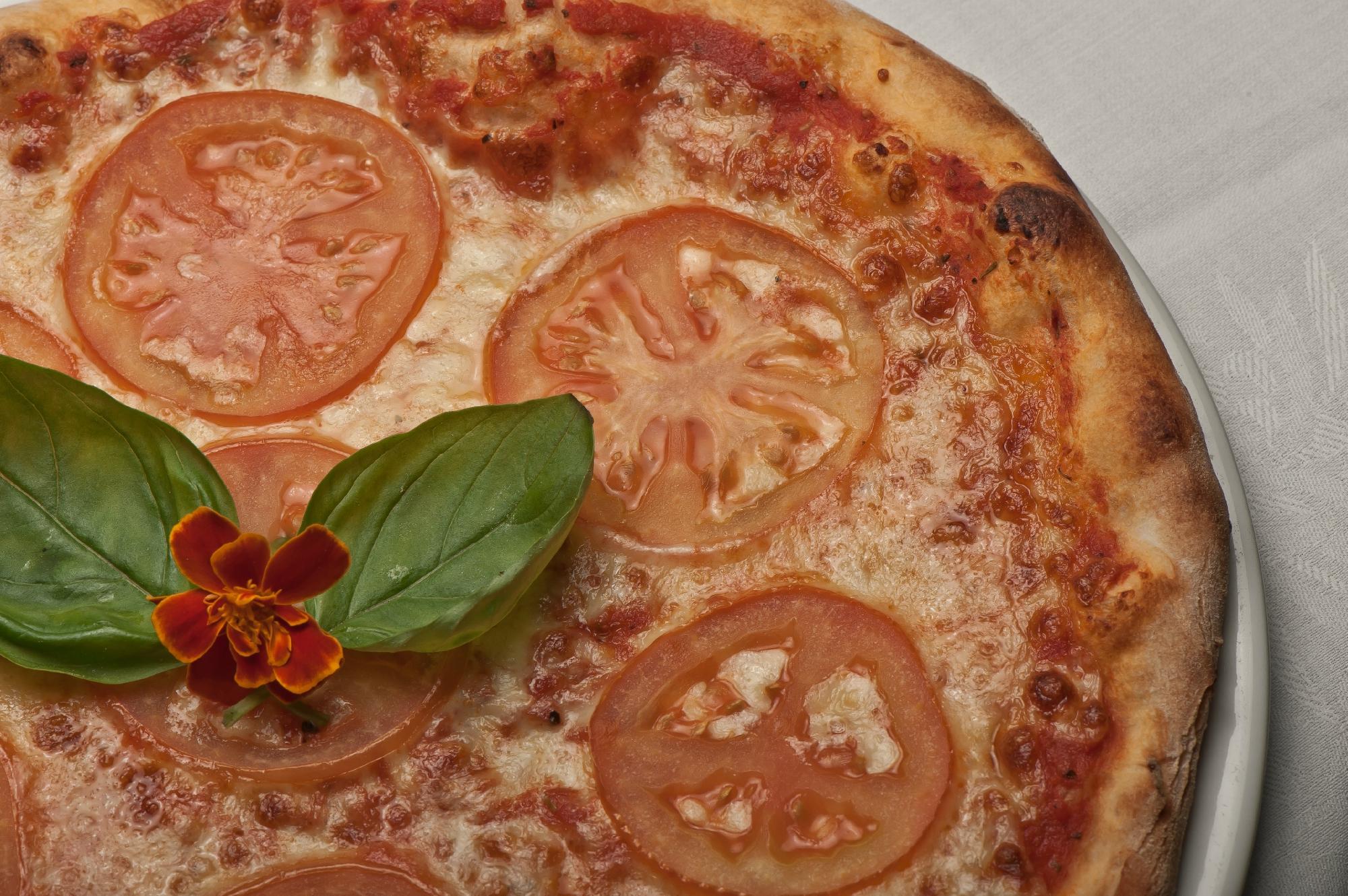 Nicks Swiss Italian Restaurant | 33 Gillies Highway, Yungaburra, Queensland 4884 | +61 7 4095 3330