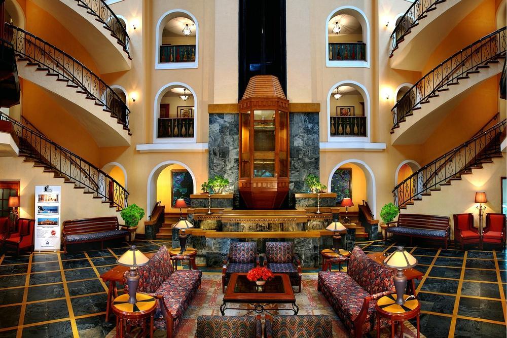 フォーチューン ホテル サリバン コート