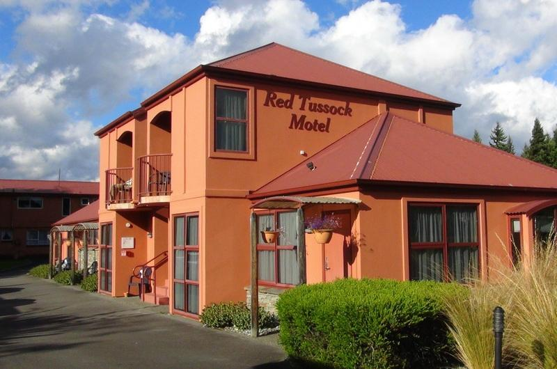‪Red Tussock Motel‬
