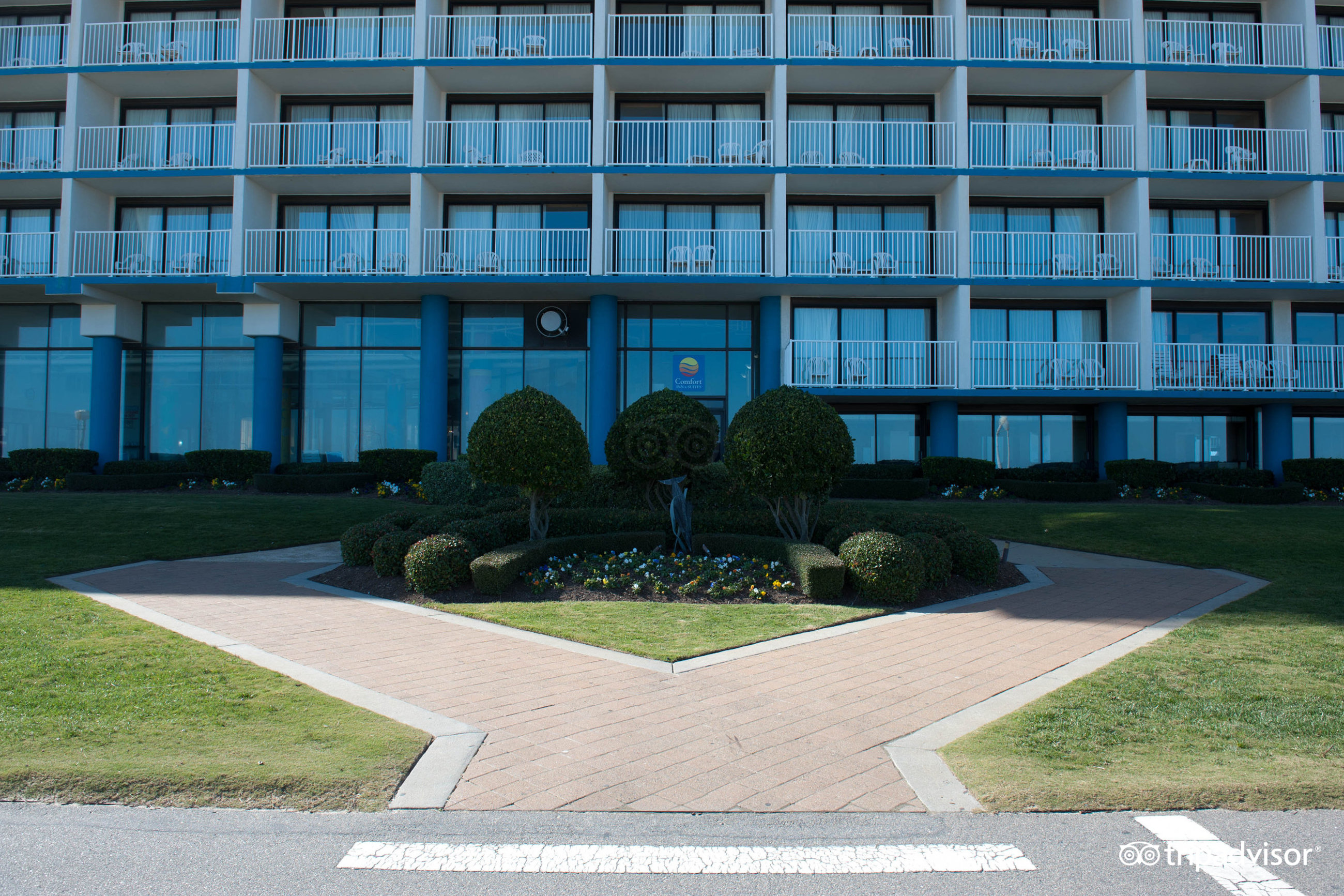 fort Inn Suites Oceanfront Virginia Beach VA Hotel