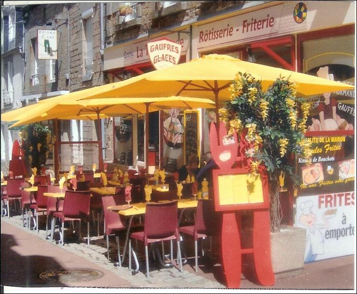 Restaurant A La Table Ronde Dans Villedieu Les Poeles Avec Cuisine Fran Aise