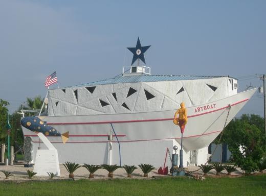 Art Center Seadrift / The Art Boat