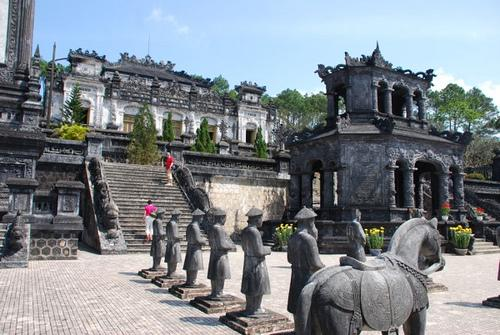 Hue Happy Car - Private Day Tours