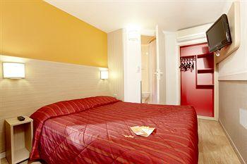 プルミエール クラス ラ ヴィル デュ ボワ ホテル