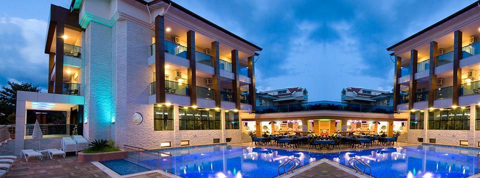 수프림 마마리스 호텔