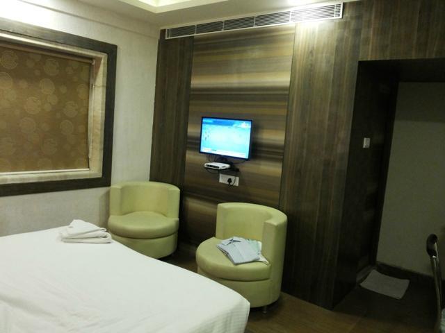 Hotel Emerald and OYO Premium