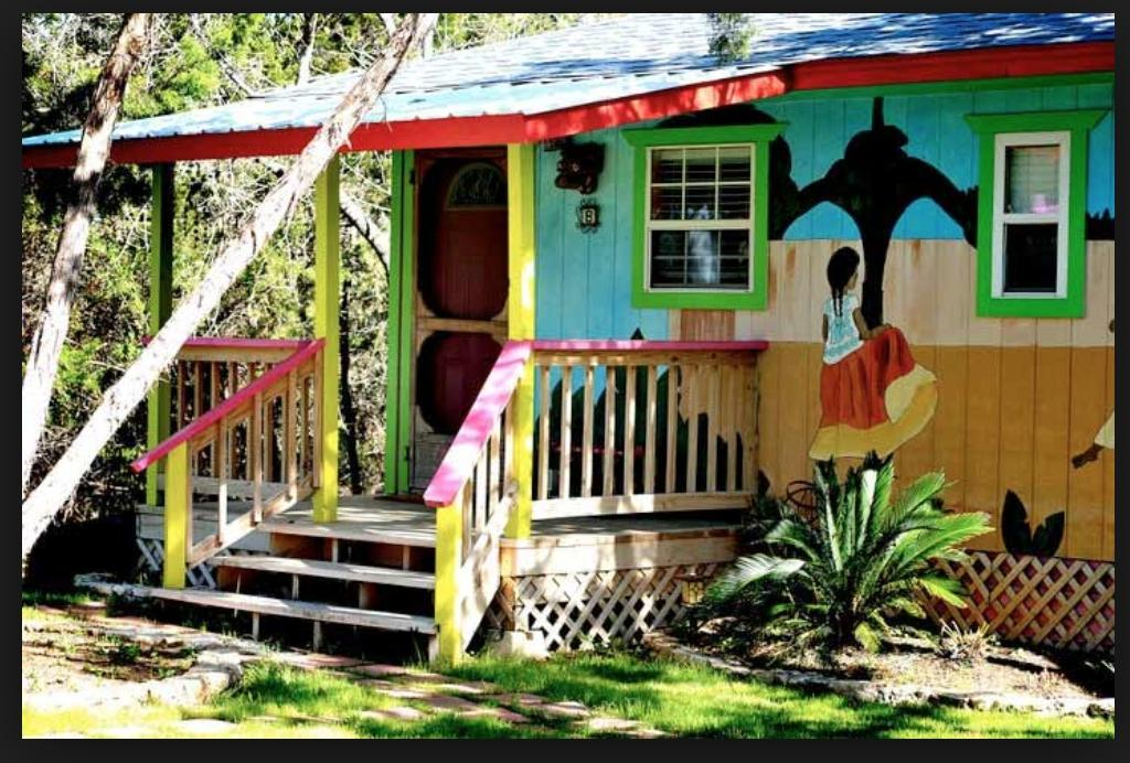 Lost Parrot Cabins