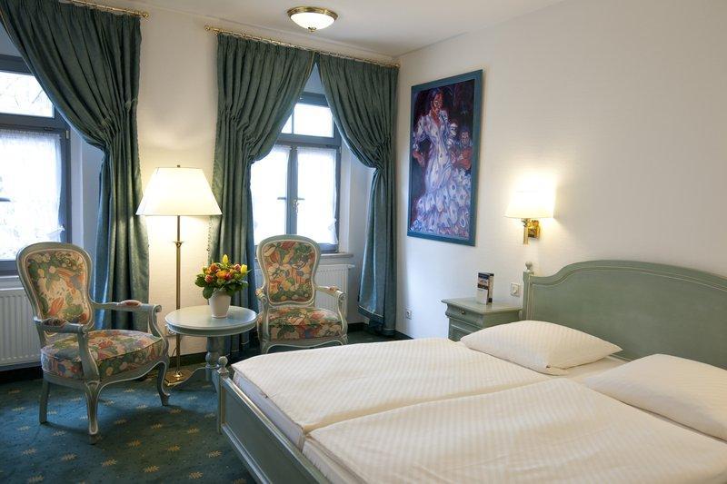 愛瑪客旅遊宮殿酒店和咖啡館