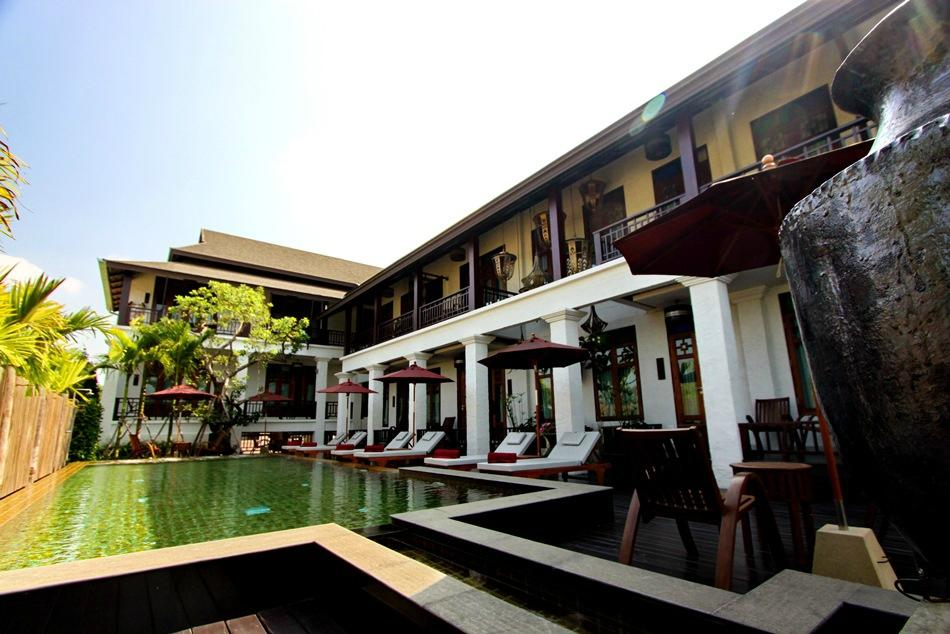 The balcony chiang mai village updated 2017 hotel reviews for Hotel the balcony