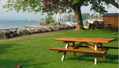 Well kept, good access to lake & Lausanne  Review of TCS  ~ Camping Le Petit Bois