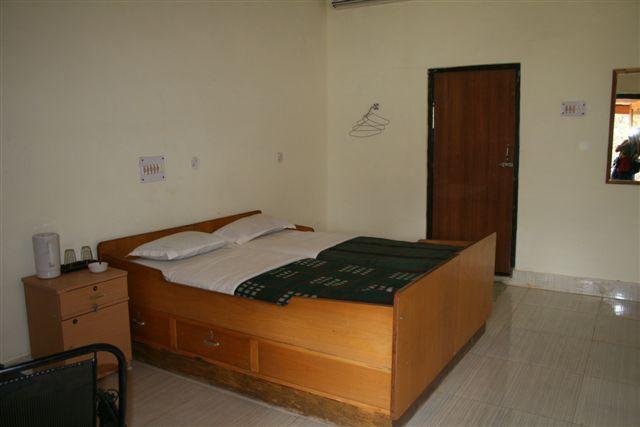Jungle Inn Resort