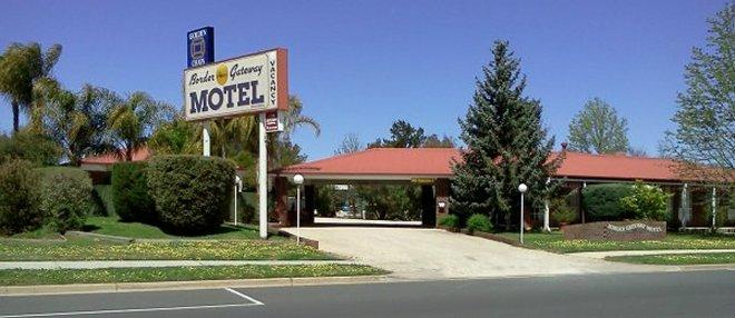 ‪Border Gateway Motel‬