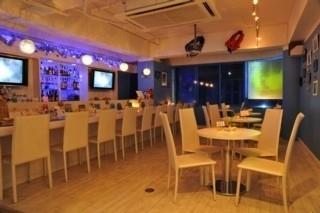 Diver's Cafe & Barsummer Snow