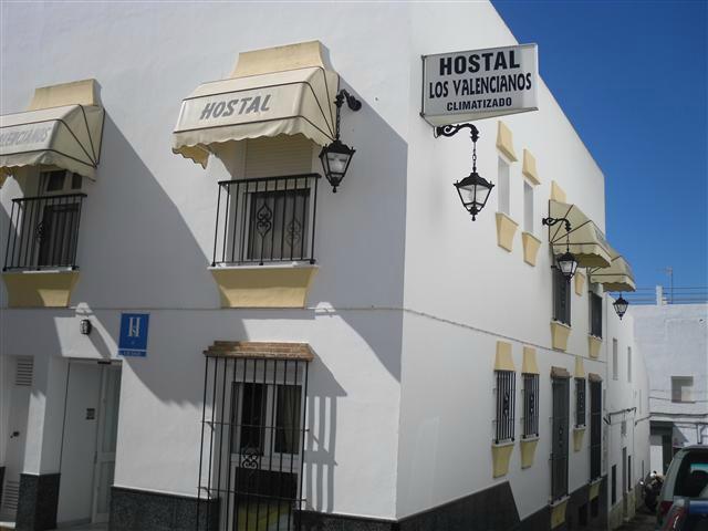hostal valencia alrededores: